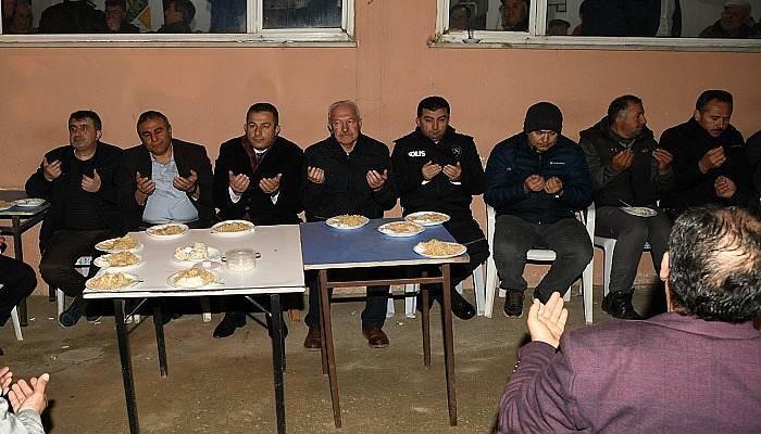 Dernek tarafından şehitler için okutulan mevlide büyük katılım