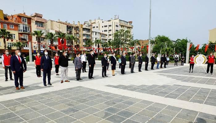19 Mayıs Atatürk'ü Anma Gençlik ve Spor Bayramı Buruk Kutlandı