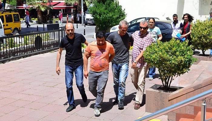 Çanakkale'de dolandırdılar, İzmir'de yakalandılar