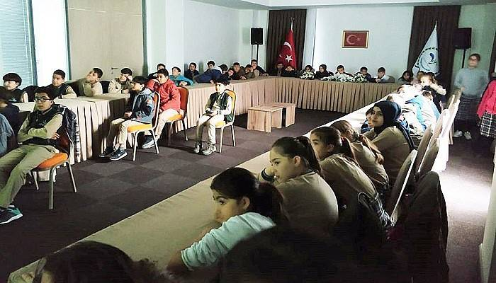 Akif ve Troya Belgeselleri Okullardaki Gösterimleri Devam Ediyor