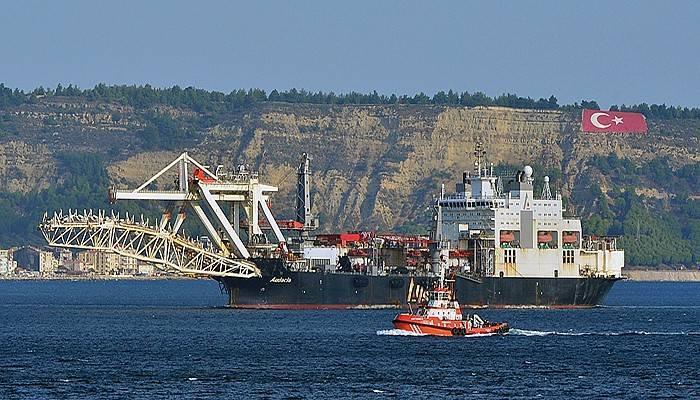 Dev gemi Çanakkale Boğazı'ndan geçti (VİDEO)