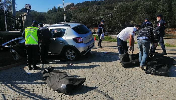 Ayvacık'ta Trafik Kazası: 3 Ölü 1 Yaralı