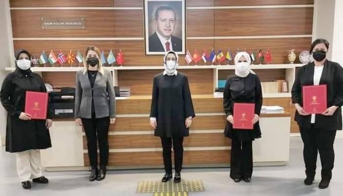 AK Parti Ayvacık, Bayramiç, Çan Kadın Kolları Mazbatalarını Aldı