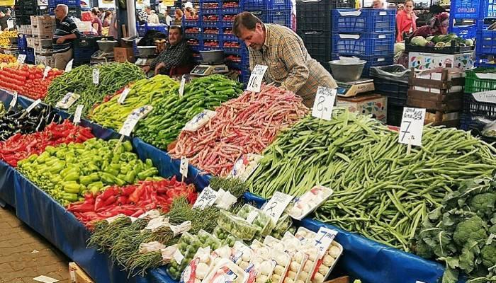 Pazarda Sebzelerin Fiyatı 6 TL'nin Üzerinde