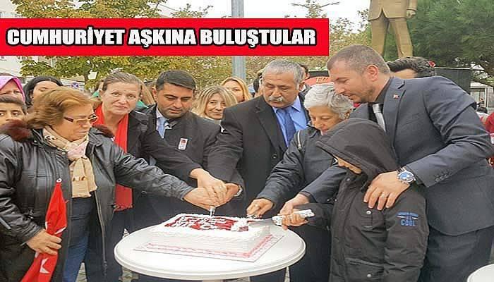 Kepez'de partililer Cumhuriyet aşkına buluştu...