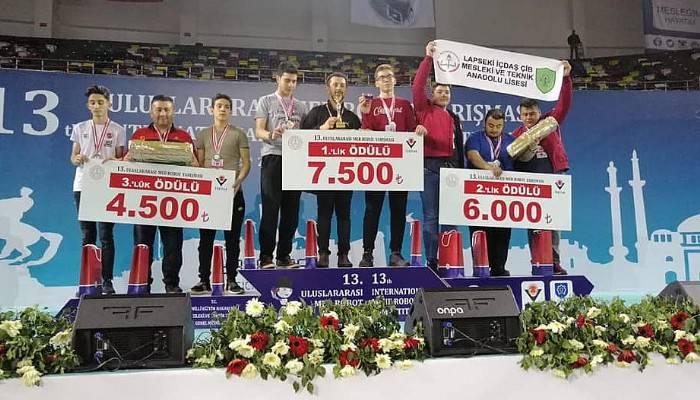 Robot Yarışmasında Türkiye 2'ncisi oldular