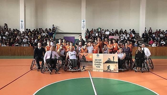 Engelliler Gününde Öğrencilerle Empati Maçları Yapıldı