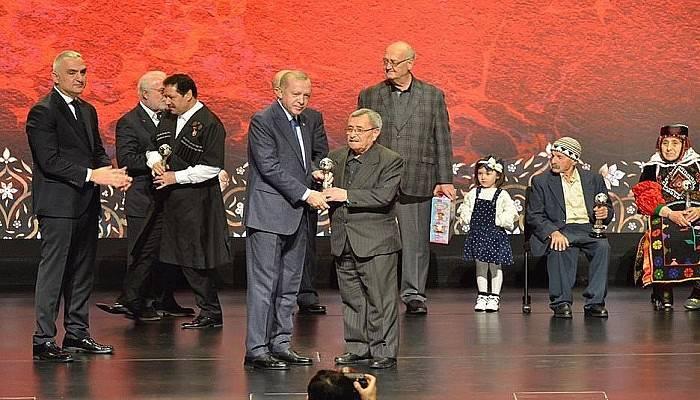 Çanakkale Seramiği Ustası Bütün'e, 'Yaşayan İnsan Hazineleri' Ödülü