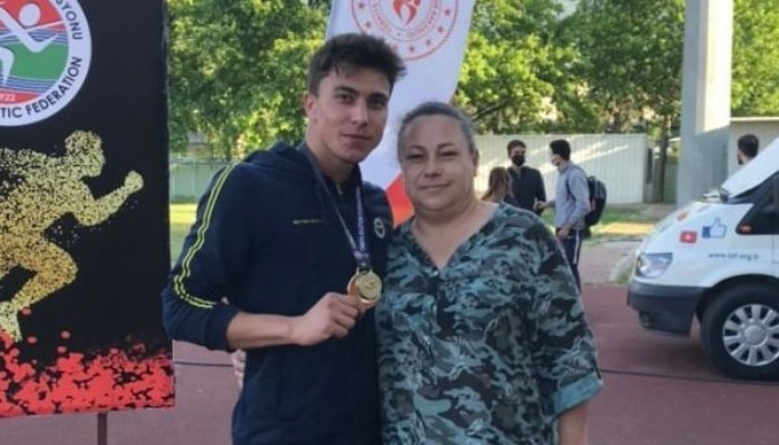 U23'de Koşu dalında Türkiye şampiyonu Çanakkaleli Oğuzhan Uyar Oldu