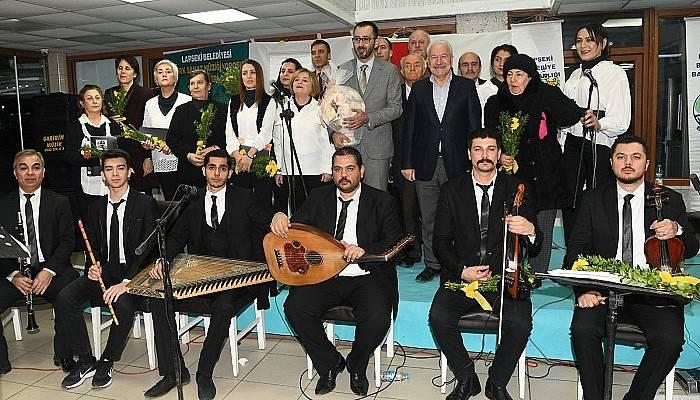 Türk Sanat Müziği Korosu ilk konserini verdi