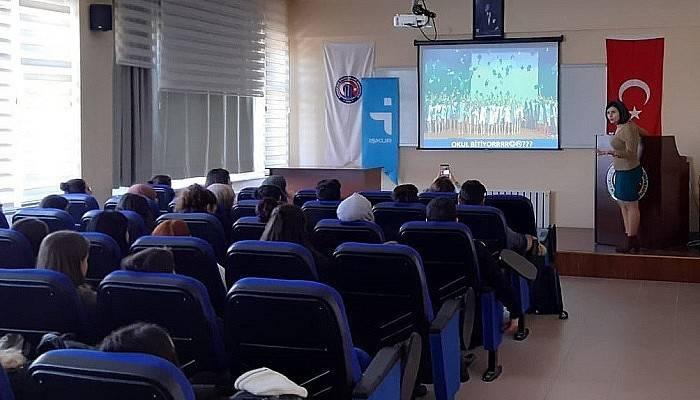 2 bin 500 üniversite öğrencine seminer verildi