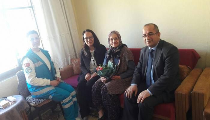 Lapseki Devlet Hastanesinden yaşlılara saygı haftası etkinliği
