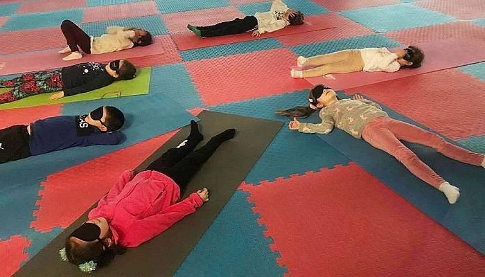 Çanakkale Belediyesi Çocuk Yogası Başladı