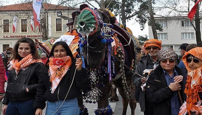 Bayramiç'te en güzel deve yarışması düzenlendi (VİDEO)