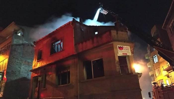 Biga'da Metruk Bina Yangını
