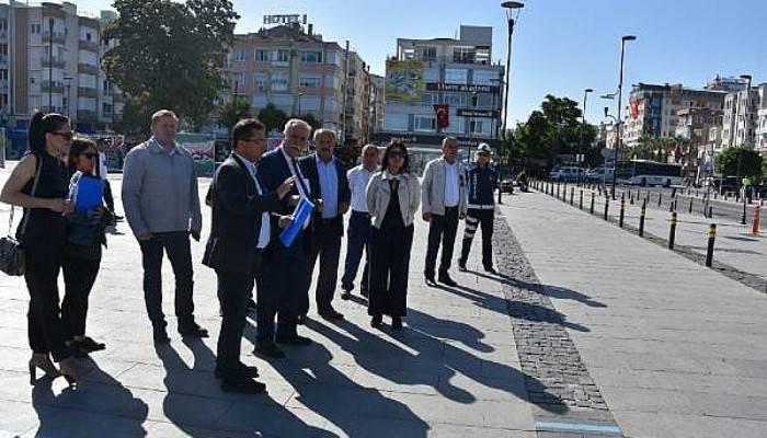 Başkan Gökhan, İskele Meydanı'nda inceleme yaptı