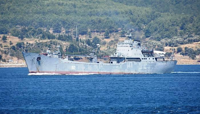 Rus çıkarma Rus çıkarma gemisi boğazdan geçtigemisi boğazdan geçti (VİDEO)