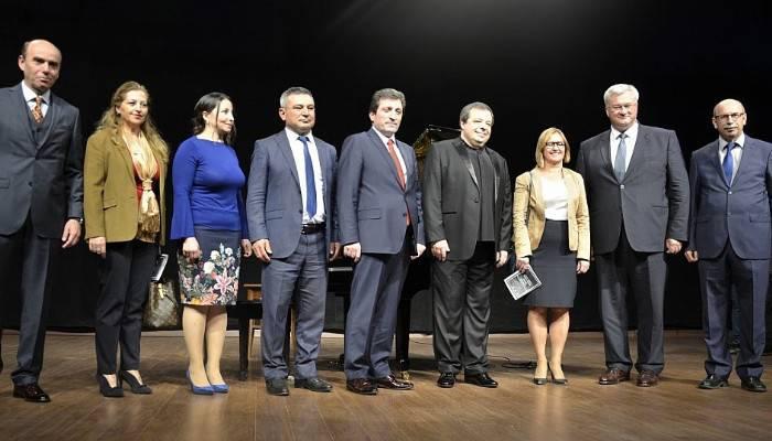 Ukraynalı Botvinov piyano resitali sundu