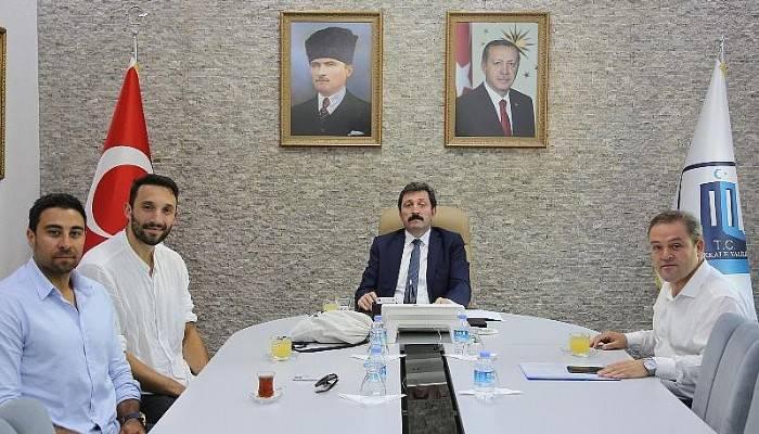 Vali Orhan TAVLI, Hentbol Milli Takım Oyuncuları Alperen Pektaş ve Can Çelebi'yi Kabul Etti