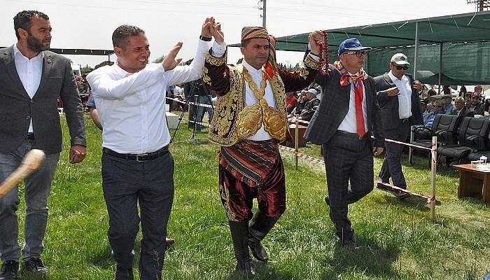 AK Parti yönetimi yağlı güreşleri seyretti