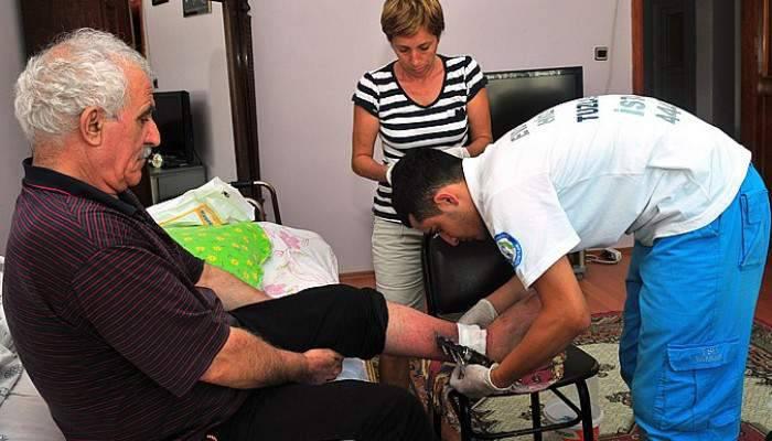 Çanakkale'de 5 bin 895 kişiye evde sağlık hizmeti verildi