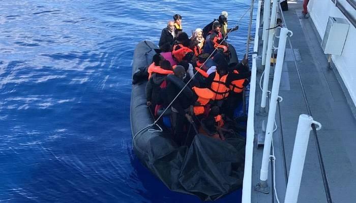 Yunanistan'ın ölüme terk ettiği 145 kaçak göçmen kurtarıldı