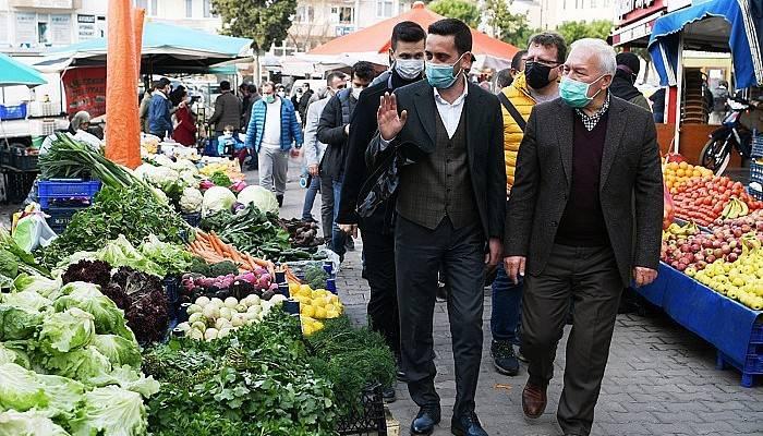 AK Parti heyeti halk pazarında