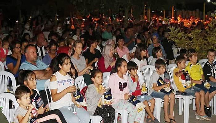 Kepez'de sinema gecelerine büyük ilgi