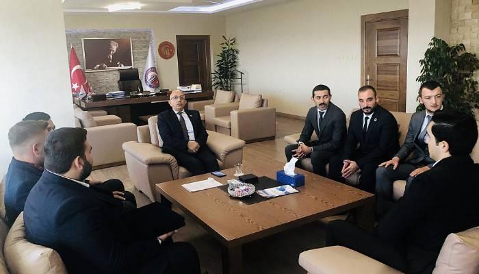 Ülkü Ocaklarından Rektör Murat'a ziyaret
