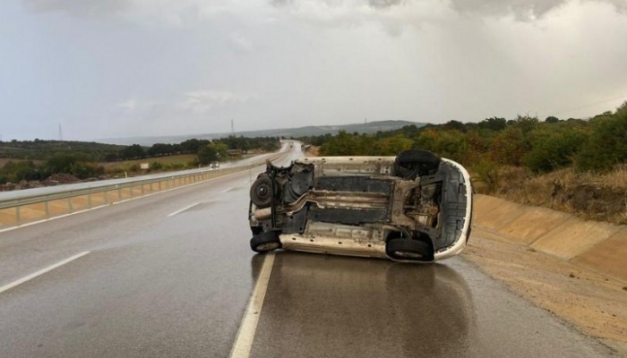 Ayvacık'ta Otomobil Takla Attı: 1 Yaralı