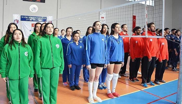 Voleybol ikinci lig grup birinciliği müsabakaları ÇOMÜ Ev sahipliğinde başladı