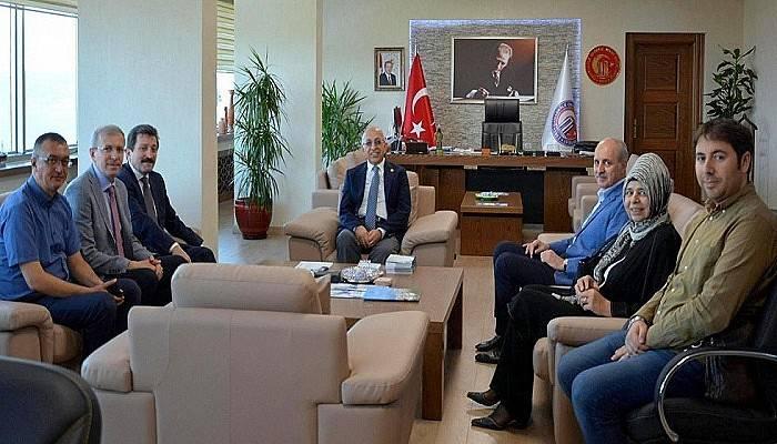 Ak Parti Genel Başkanvekili Prof. Dr. Numan Kurtulmuş Rektör Murat'ı Ziyaret Etti