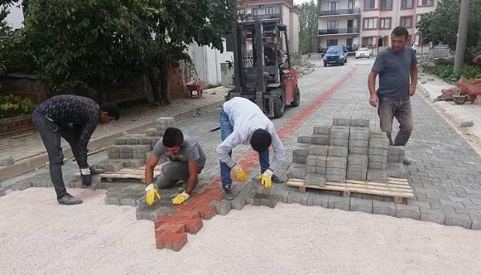 Sakarya Mahallesinde Parke Taş Yol Yapım Çalışmaları Devam Ediyor