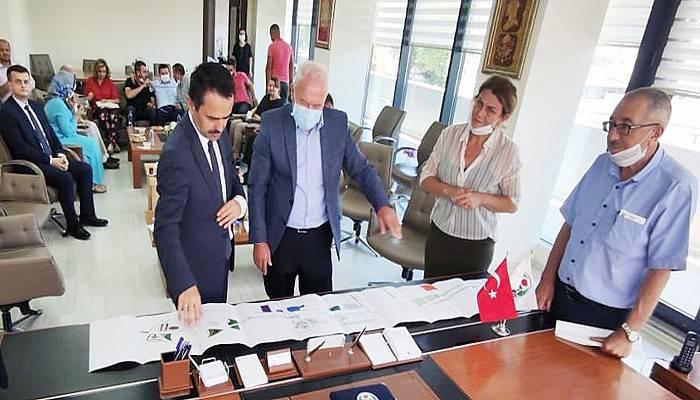 Vali Aktaş, Lapseki'de incelemelerde bulundu