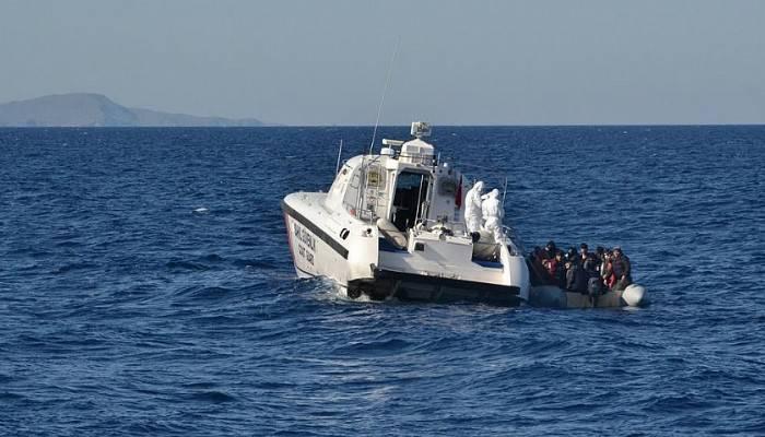 Ayvacık Açıklarında Yunan güvenlik güçlerinin ölüme terk ettiği göçmenler kurtarıldı