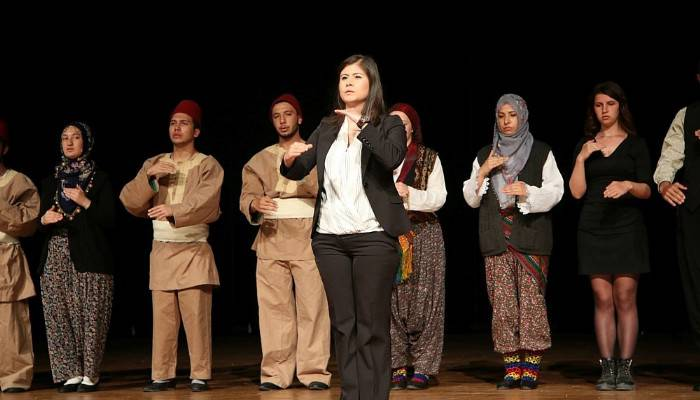 NEVÜ öğrencileri Çanakkale Destanını işaret diliyle canlandırdılar