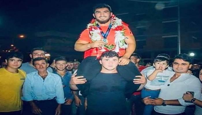 Çan Belediyesi güreşçisi Aktürk, Avrupa şampiyonu