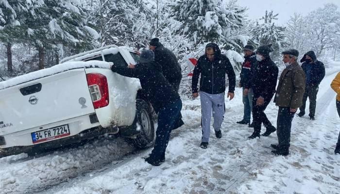 Yolda kalan sürücülerin yardımına jandarma yetişti