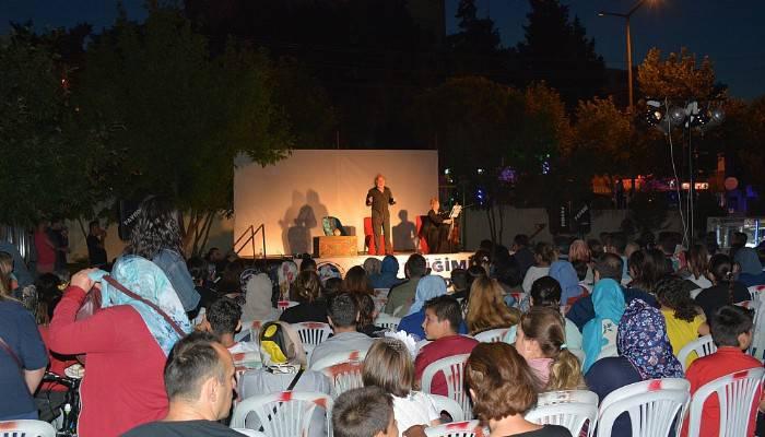 Ayvacık'ta açık hava tiyatrosu