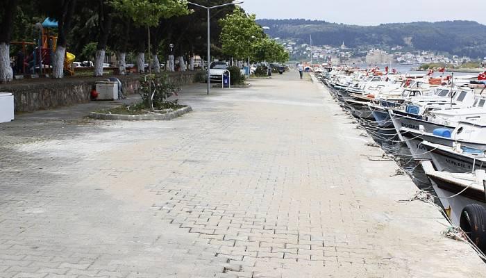 Sarıçay'da çöken yol yeniden onarıldı