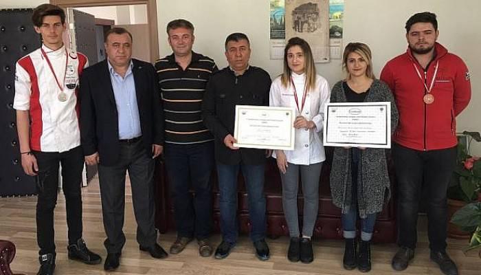 Sevdanur, Gastronomi Festivali'nde Altın Madalya Kazandı