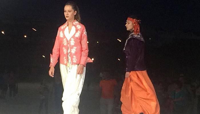 Osmanlıya özgü kadın kıyafetleri sergilendi