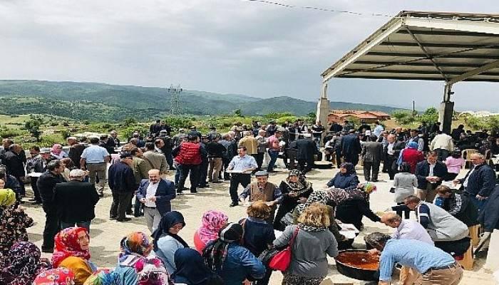 Çal köyünde hayır yemeği düzenlendi