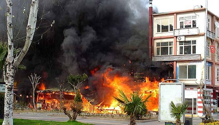 Çanakkale'de işyeri yangını! (VİDEO)