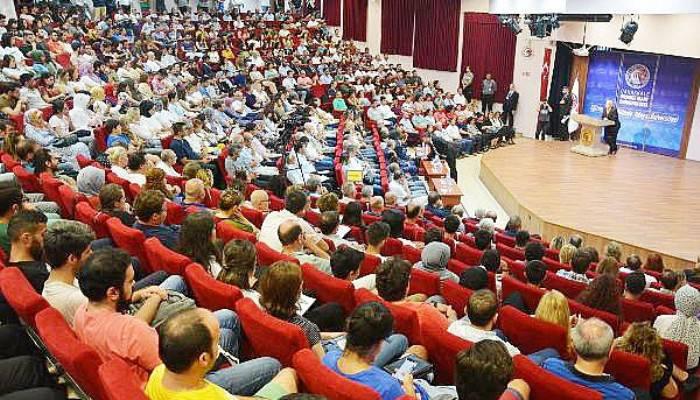 ÇOMÜ'de 'Türk Asıllı Dünyada Ünlü Bilim İnsanları Konferansı'
