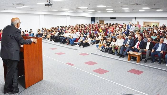 Rektör Prof. Dr. Sedat Murat Birinci Sınıf Öğrencileri İle Buluştu