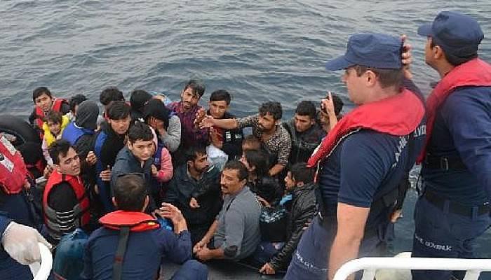 Çanakkale'de lastik botta 53kaçak göçmen yakalandı