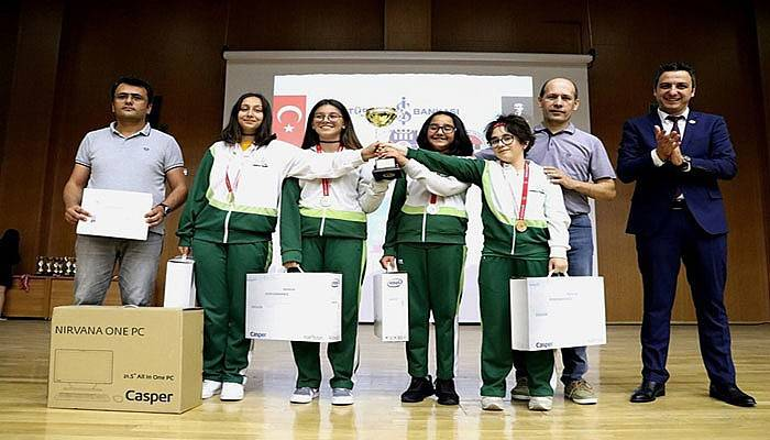 Cevatpaşa Ortaokulu Türkiye Şampiyonu