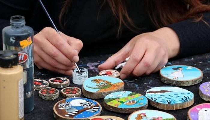 Deniz Taşları Ve Ahşabı Sanatta Buluşturuyor