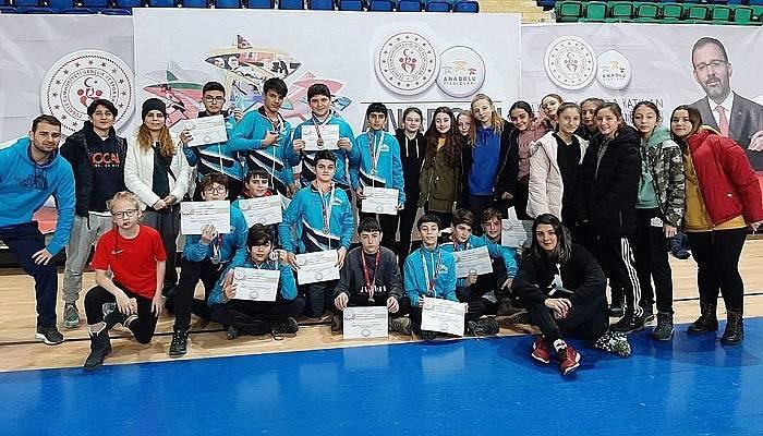 Anadolu Yıldızlar Ligi'nde Yarı Finale Yükseldiler